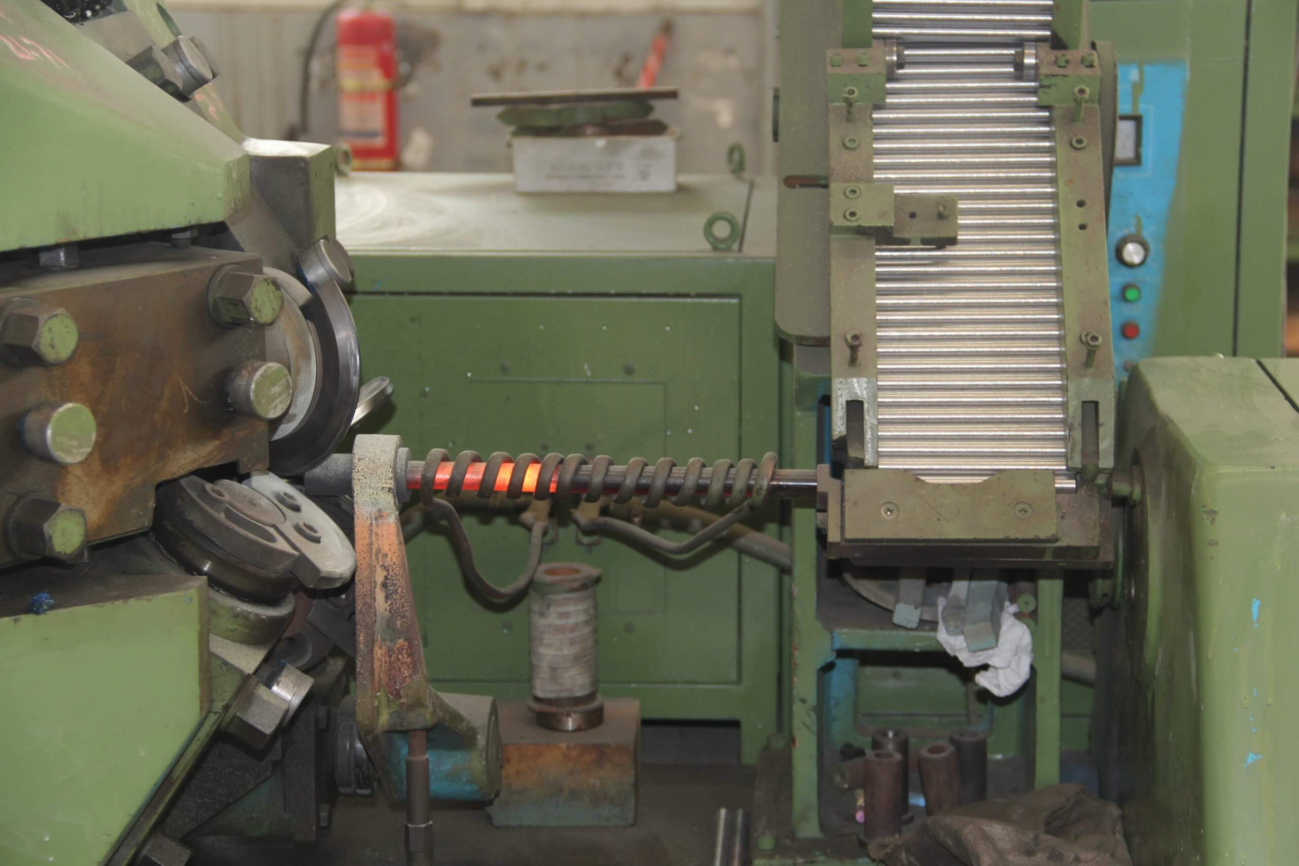 Rolling scaled - Different manufacturing processes for HSS twist drill